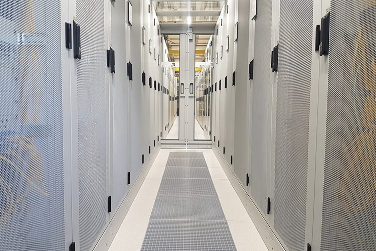 Nikhef data center to heat 720 students