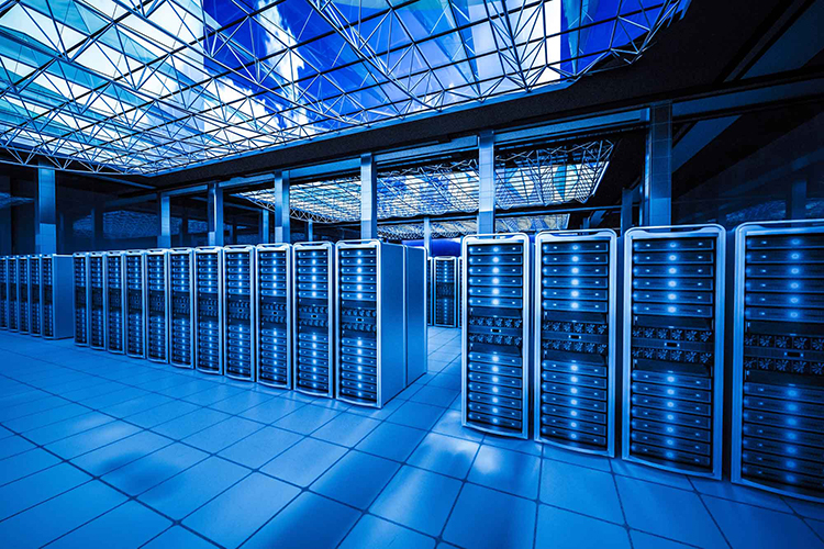 The worldwide spend on data center hardware and software increased by 7%