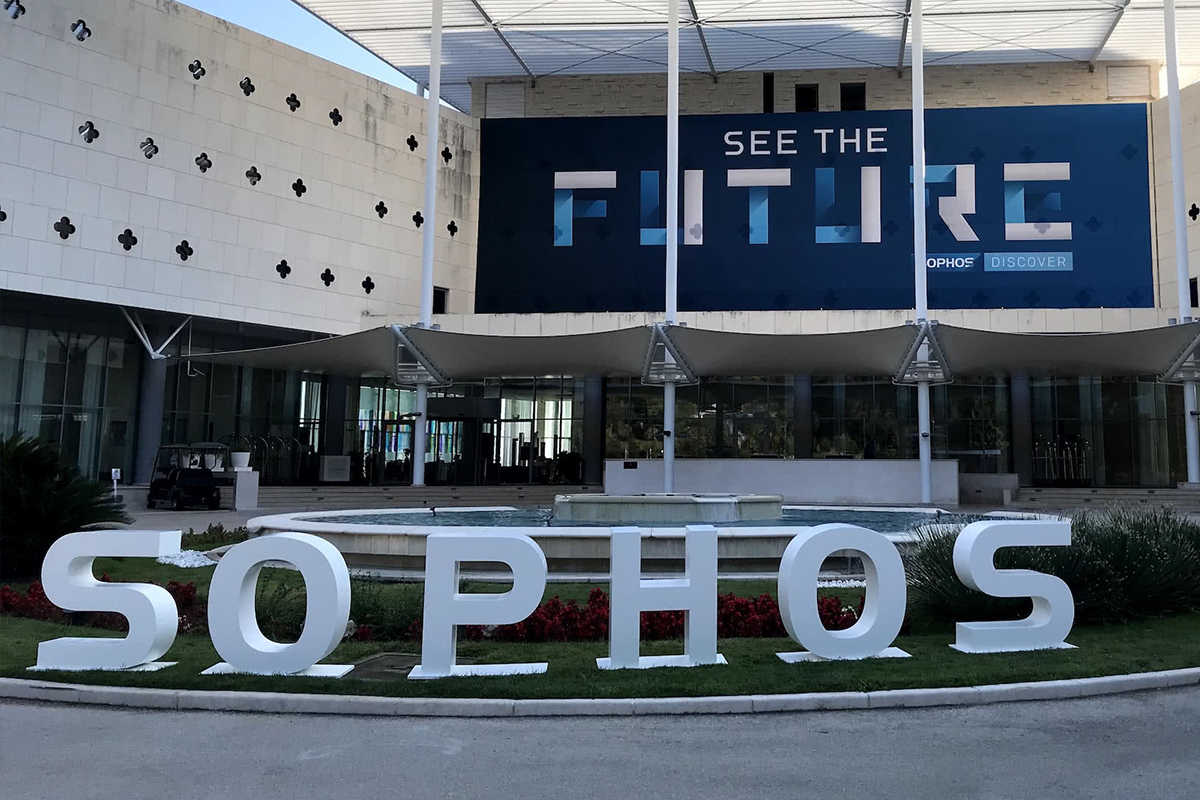 Sophos warns users about a security breach