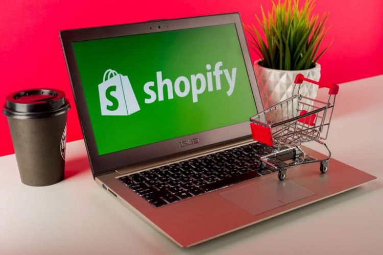 US accounts for 73% of all live Shopify eCommerce websites worldwide at 1.09 million