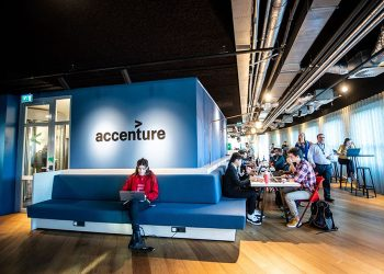 Accenture introduces new business group with VMware